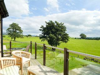 High View Meadows - sleeps 4 - FREE leisure club and pool    (No Pets Sorry)