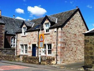 Fire Station Cottage, Comrie - family holiday