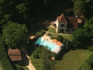 Gite Sarlat,villa Vézac,piscine ,Spa, sauna,jardin, Sarlat-la-Canéda