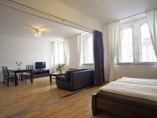 2 BDR APARTMENT OLD TOWN SQUARE, Praag