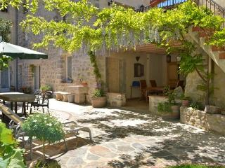 Holidays in Lagrasse; The Grenier Apartment