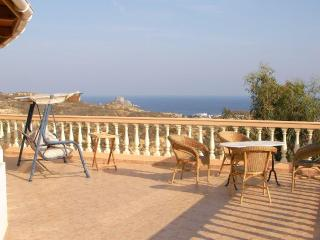 Fabulous private villa, sleeps 8-16, free Wi-Fi, Kefalos