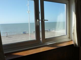 Marine Court Apartment, Hastings