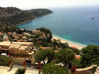 APPARTEMENT DE CHARME SOUS LES TOITS - VUE MER, Roquebrune-Cap-Martin