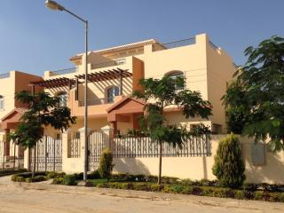 Furnished Villa - Dreamland - Ideal for groups, Giza