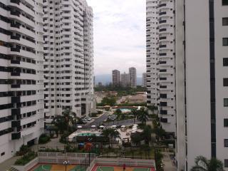 Rio de Janeiro na  barra com wifi praia e piscina