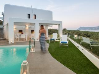 Elea Villas, a modern sea view villa for 10x, Chania Prefecture