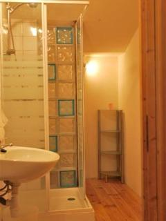 Pyrenees Gite - Farmhouse - One of 4 new bathrooms