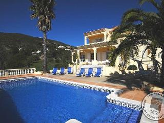Cerca da Eira Luxury Villa - Big Pool, Wifi, Games, Santa Barbara de Nexe