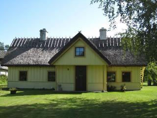 Kertel Guesthouse