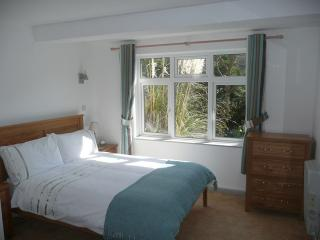Bedroom, The Retreat, Polperro