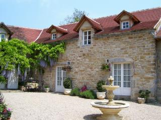 Pretty Cottage with Pool nr. Villefranche de Rouergue