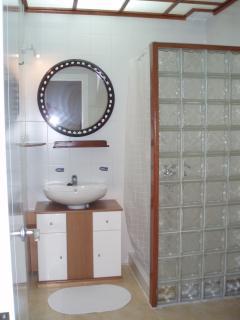 bath room in basement floor