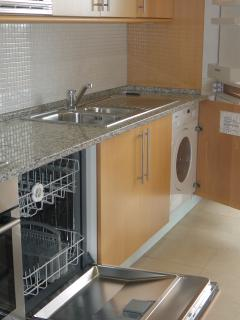 Kitchen with Dishwasher/Washing Machine/ Fridge Freezer/ Oven & Gas Hob