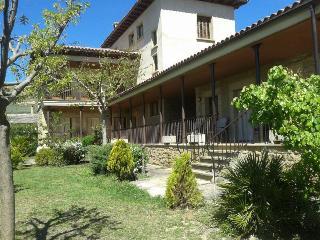 Casa rural en Uncastillo 11-12 personas