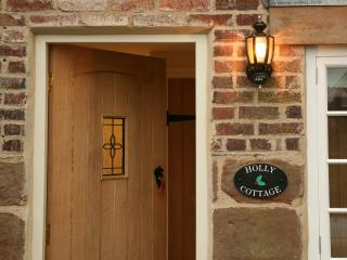 Holly Cottage - luxury in the Derbyshire Dales