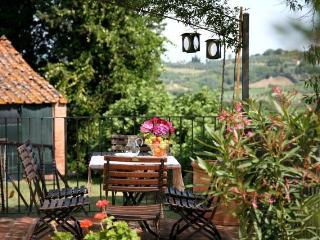 Agriturismo I Moricci-Leccino, Fabbrica
