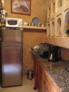 kitchen, left