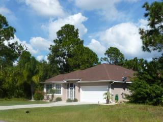 Pine Tree Villa 3bed 2 Bath Villa with Swimming Pool