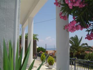 Blue Harbour - Limani Blu  Apartments 2 to 8 persons, Petriti