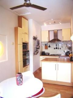 Ultra-stylistic kitchen area 1