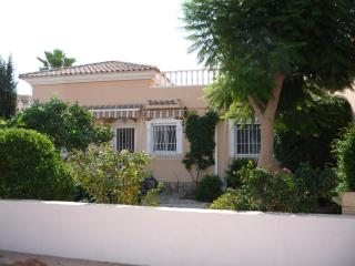 Villa Abril, a spacious 3 bed property located in a quiet area of Los Alcazares.