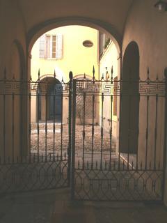 Palazzo Bianchi - androne e cortile principale