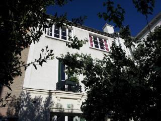 Charming house in Menilmontant, Asnieres-sur-Seine