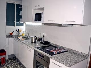 Apartment center WI-FI bright clean safe area, Valencia