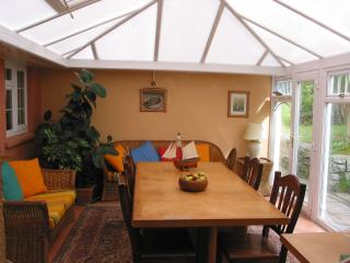 Peaceful back conservatory - the green jungle