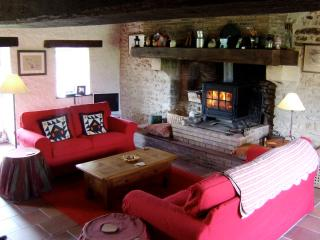 comfortable and spacious sittingroom