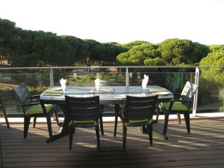 Al fresco dining - perfect !  Wonderful view overlooking the Millenium Golf Course
