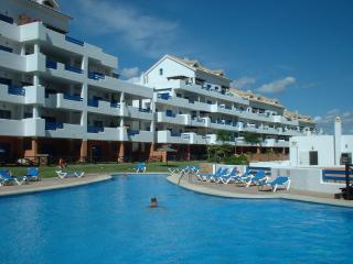 5* private Duquesa Suites apt 10 mins from beach, Puerto de la Duquesa