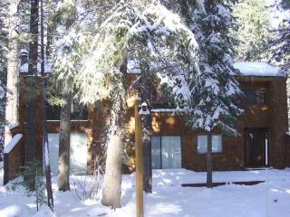 Spacious Beaver Pond Northstar Home ~ RA222