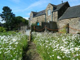The Old Granary & Shepherd's Hut, Matlock 5* Gold
