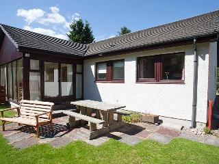 Peaceful, Pet friendly and Cosy, backing on to fantastic woods - Heath Cottage