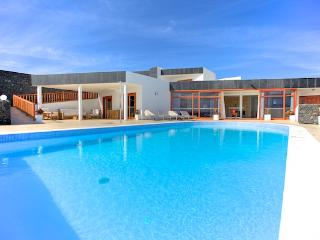 Las Perdices, 7 Bedroom Luxury Villa, Huge Salt Clorinated Heated Pool