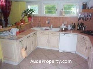 Quillan Rental Kitchen