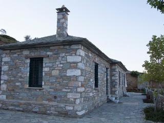 Diana Stone house with sea view, Agios Georgios Nilias