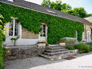 Le Petit Village - Coach House, Fulvy