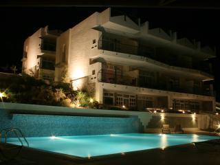 Seaside Holiday Apartment - Lagada Bay