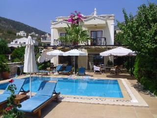 Villa Sommer, Kalkan - 3 bedrooms - 8 sleeps - 3 bathrooms - wonderful pool area