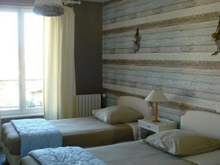 Le Pessac Chambre 3, Castres
