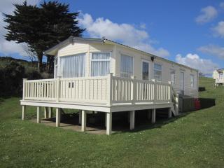 S56, 3 Bed, Sleeps 6 people, Decking, Sea views.