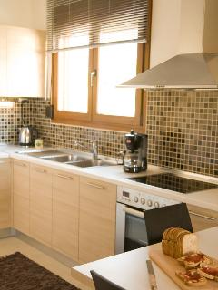 fully equipped kitchen no2