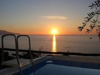 Villa Nilly with amazing pool, Capri/ocean view located in Massa Lubrense Coast