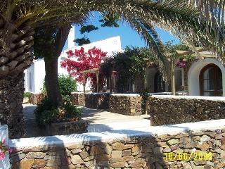 Magnificent 7 Bed C18th Farmhouse near Es Grau