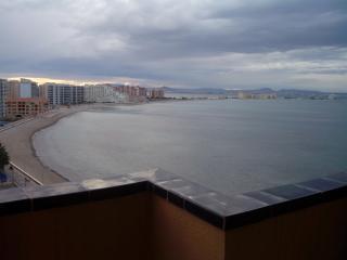 Apartamento 1ª línea de playa. La Manga del Mar Me