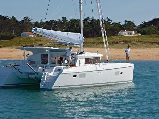 Cabin for Rent on a Catamaran