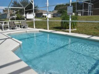 4 Bedroom 3 Bathroom Pool Home in Florida Pines. 320WD, Kissimmee